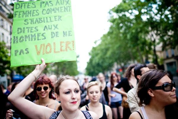 """""""...dites aux hommes de ne pas violer"""", rappelle Kristen, l'Australienne. Par Pierre Morel."""